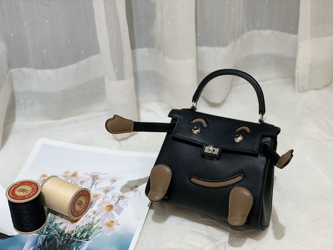 爱马仕Hermes Kelly doll 超Q萌的千禧娃娃  swift皮89黑色/M1新大象灰 银扣
